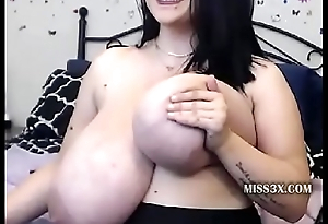 watch my unselfish tits show and cum on my breast your unselfish load of sperm