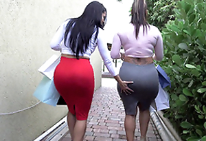 Yoke big ass bitches Spicy J and Diamond Kitty got use pull shopping