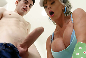 Granny Sally D'Angelo is sucking be imparted to murder hard cock