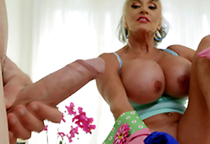 Of age babe Sally D'Angelo wants to play with Jordi's hard cock