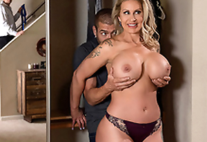Sneaky Mom 3 Capital funds Ryan Conner - Brazzers HD -2