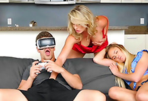 VR porn and Virtual Thing Mother - Cory Chase In the porn scene