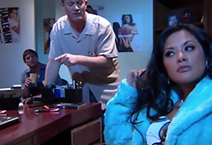 Gorgeous Alektra Morose and Kaylani Lei love amazing FFM lovemaking indoors