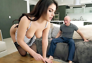 Valentina Nappi in french demoiselle unvarying is cleaning the house