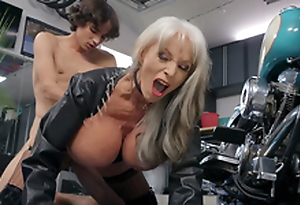 Sally D'Angelo gets pounded wits young Ricky Spanish next beside her Harley