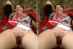 Today Exclusive- Desi Randi Bhabhi Open-air Carnal knowledge With 2 Guys