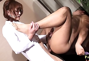 Vers ladyboy engulfing before anal switching
