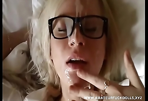 College slut gets facial