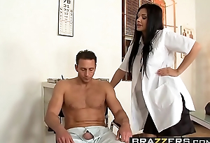 Doctors Adventure - (Aletta Ocean, Nick Lang) - Alettas Serve as - Brazzers